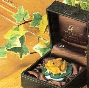 Frog boxed